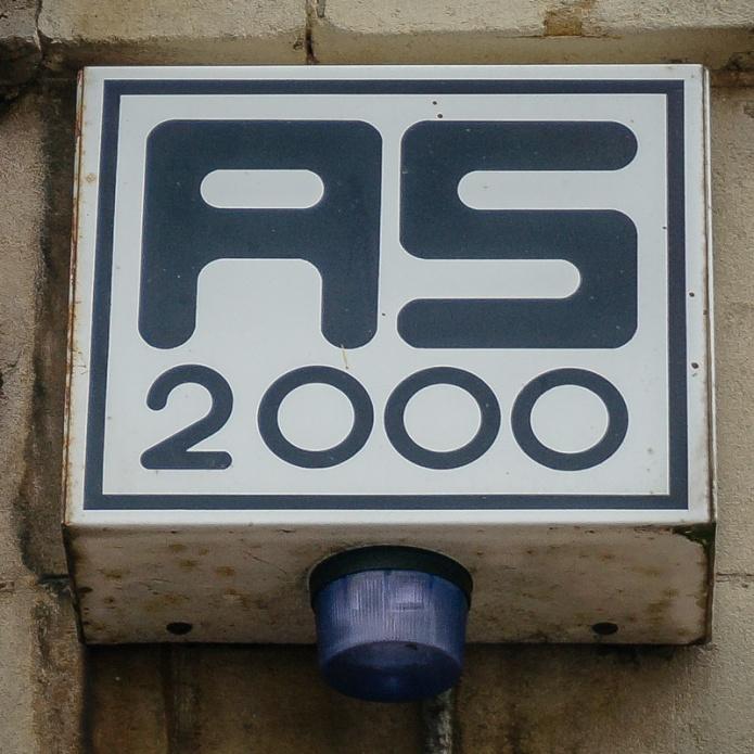 AS 2000